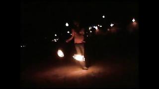 Парень зажигает и сгорает!