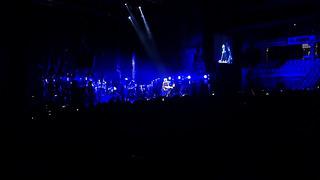 Флешмоб на концерте Земфиры
