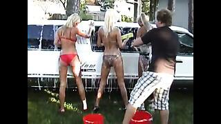 Video sellest, kuidas 2009. aasta suvel Glam Limusiin Bikini Wash videot tehti!