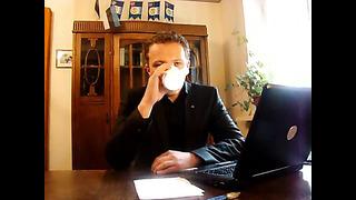 Margus Tsahkna avaldab arvamust müügimaksu teemal Laari kohvikus Facebookis