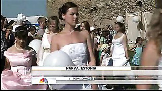 Brides race at 13th century fort in Estonia Video