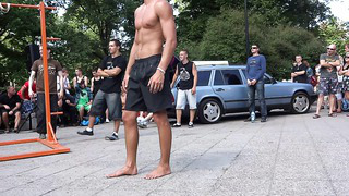 Tallinn. Street Workout 06.07.2013 Стойка на двух пальцах. Супер!