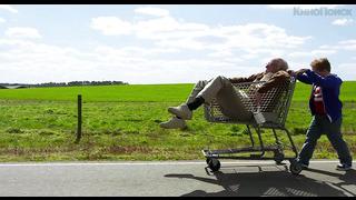Несносный дед (2013) Трейлер