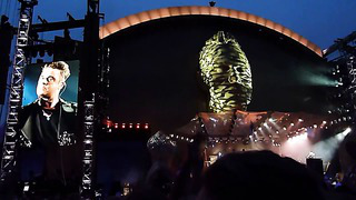 Robbie Williams - Sin, Sin, Sin, Live in Tallinn 2013