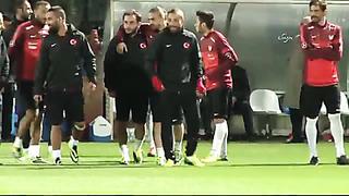 Türkische Nationalmannschaft beim Training in Tallinn