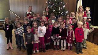 Rõõmsaid jõule ja edukat uut aastat! Soovib Chicago Eesti Kool