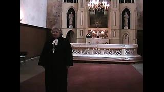 Hetki Eesti Vabariigi 90. aastapäeva jumalateenistuselt Järva-Peetri kirikus