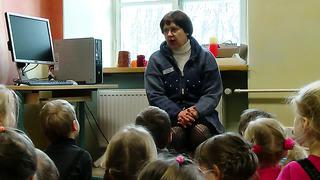 Tartu Linnaraamatukogu õpetab lapsi läbi muinasjuttude
