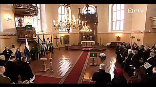 24 02 2014 0730 Eesti Vabariik 96 Pidulik riigilipu heiskamine Pika Hermanni torni