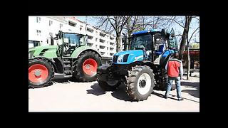 Maamessi reklaamiv traktorite näitus ja rongkäik Tartu kesklinnas