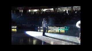 Genka etteaste Kalev Cramo ja Tartu Rocki mängu vaheajal